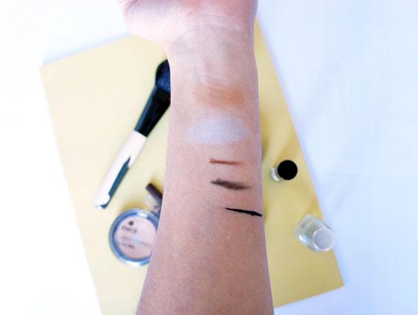 Les swatches du fard à paupières, des crayons pour les yeux, de l'ehe-liner et de la poudre bronzante Avril. Mon avis détaillé sur la marque est à voir sur lutetiaflaviae.com