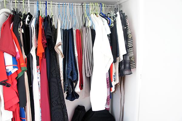 Le tri de mes vêtements dans mon armoire en utilisant la méthode konmari a été utile pour désencombrer ma maison. Pour en savoir plus, cliquez sur lutetiaflaviae.com