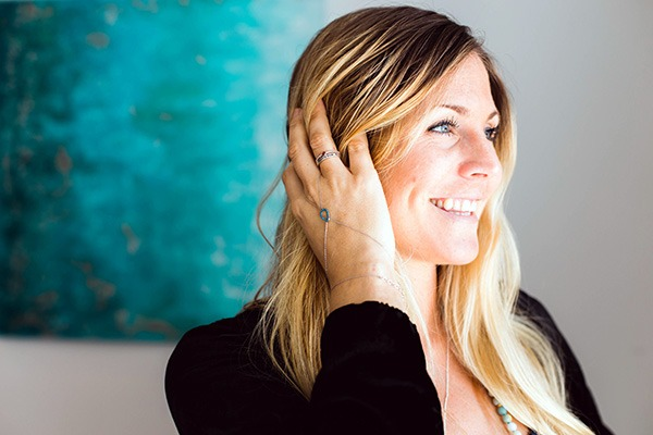 Rachel Brathen est la fondatrice de 109 World, une association à but non-lucratif agissant sur la protection de l'environnement et des causes sociales. Pour en savoir plus, cliquez sur lutetiaflaviae.com