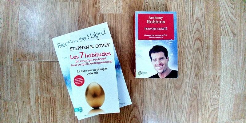 Parmi mes livres de développement personnel : Pouvoir illimité de Tony Robbins, Les 7 habitudes de ceux qui réussissent tout ce qu'ils entreprennent de Stephen Covey. Découvrez ce que je pense de ces gourous sur lutetiaflaviae.com