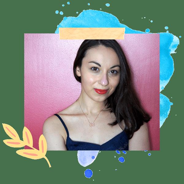 Bienvenue sur slowcreativite.com, je suis Mélodie et j'aide les personnes créatives à s'autoriser à exprimer leur vérité